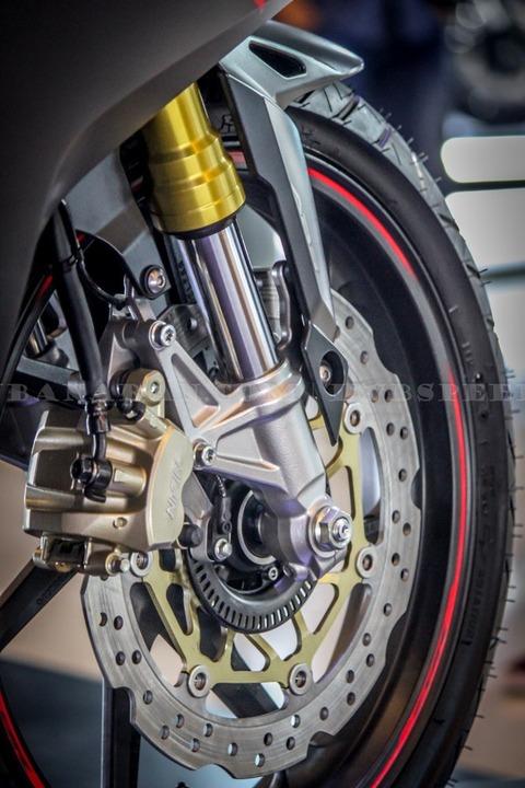 Honda-all-new-CBR250RR-2017-4