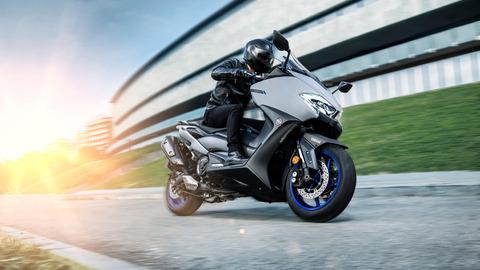 2020-Yamaha-XP500A-EU-Icon_Grey-Action-011-03
