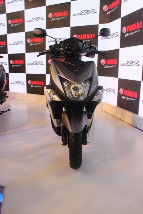 Yamaha-Cygnus-Ray-ZR-front-auto-expo-2016