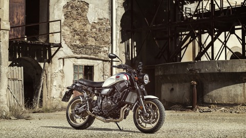 2019-Yamaha-XS700SCR-EU-Tech_Black-Static-001-03