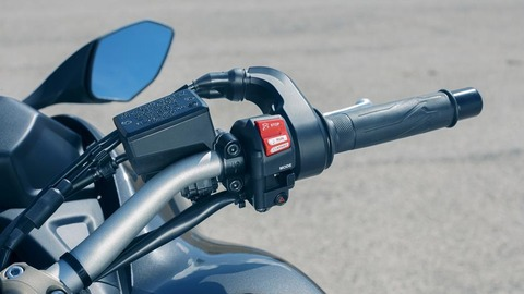 2018-Yamaha-MXT850-EU-Graphite-Detail-022