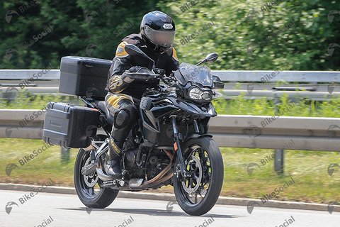 BMW F750 GS Bikesocial