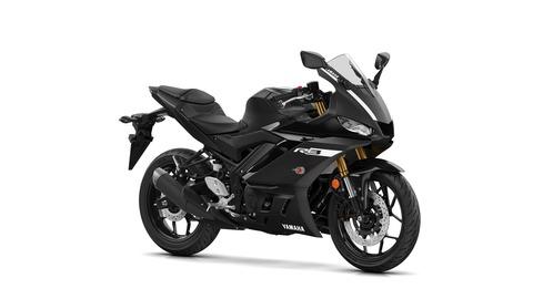 2019-Yamaha-YZF-R320-EU-Power_Black-Studio-001-03