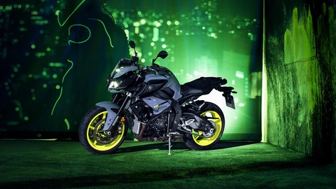 2016-Yamaha-MT-10-EU-Night-Fluo-Static-006