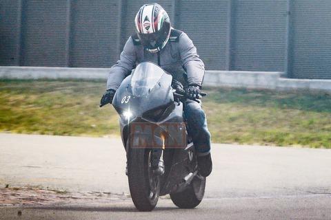 Ducati-V4-Superbike-001_1