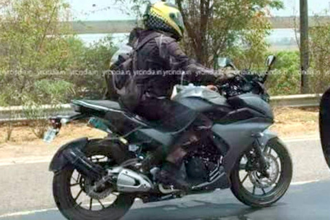 yamaha-fz25-full-fairing-spy-shots-3