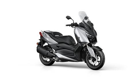 2018-Yamaha-X-MAX-300A-EU-Blazing-Grey-Studio-001