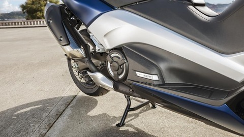 2017-Yamaha-TMAX-DX-EU-Phantom-Blue-Detail-009