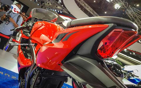 Suzuki-GSX-R150-warna-baru-2018-26