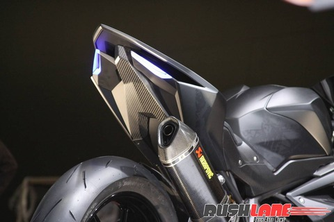 Honda-CBR250RR-lightweight-super-sport-hi-res-photo-1