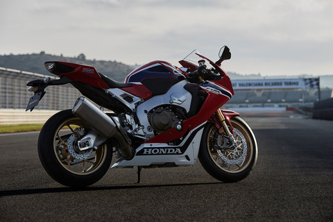 80970_Nicky_Hayden_testing_the_17_YM_CBR1000RR_FIREBLADE_SP