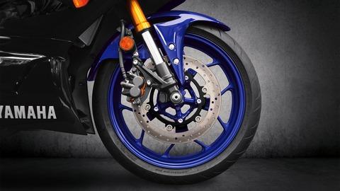 2019-Yamaha-YZF-R320-EU-Yamaha_Blue-Detail-009-03 (1)