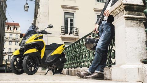 2017-Yamaha-Tricity-EU-Sunny-Yellow-Static-002