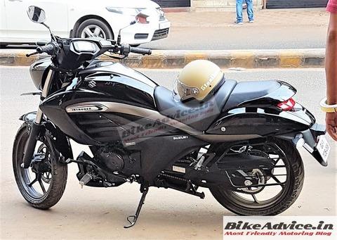 Suzuki-Intruder-150-Pics-Live-BikeAdvice-3