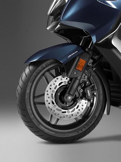127264_Honda-Forza-300