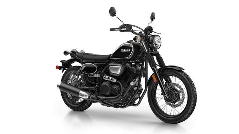 2017-Yamaha-SCR950-EU-Yamaha-Black-Studio-001