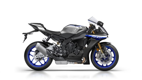 2018-Yamaha-YZF1000R1SPL-EU-Silver_Blu_Carbon-Studio-002-03