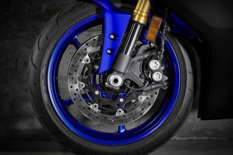 2019-Yamaha-YZF600R6-EU-Yamaha_Blue-Detail-007
