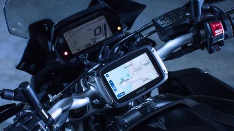 2017-Yamaha-MT10-Tourer-Edition-EU-Tech-Black-Detail-010