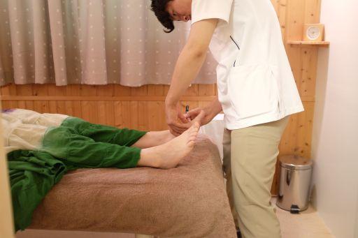 養気院での鍼の実技練習