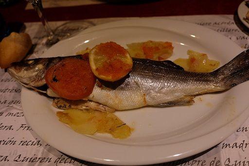 バルセロナで食べたスズキの料理