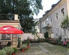 『ザルツブルク・モーツァルト住居の中庭』