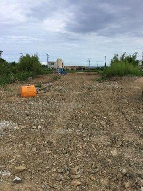 気仙沼市で道路を造っています