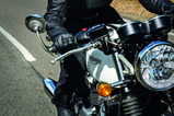 Thruxton_Riding_Shot002