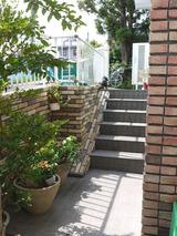 階段横タイル工事完了