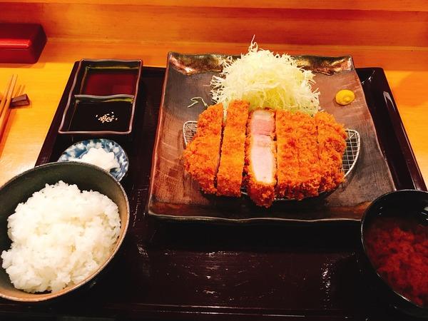 とんかつの太田家【極ロースかつ定食】