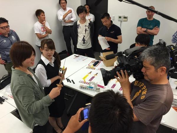 日本刀アイスを作る会「テレビ取材風景」