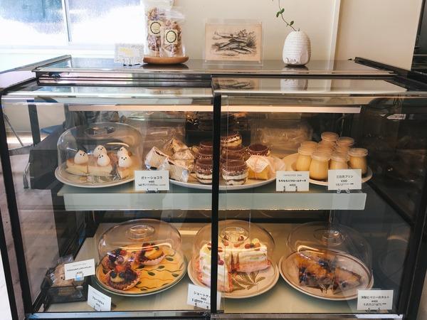 ケーキ喫茶店「CAKE & COFFEE NIWA」のショーケース