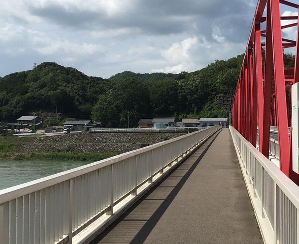 半分、青い。のロケ地(鮎之瀬橋)