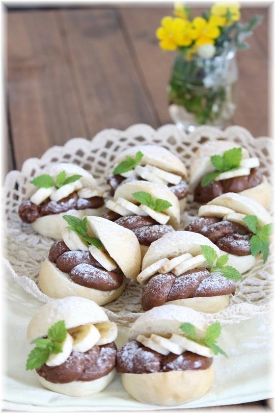 【レシピ】冷やして食べるチョコカスタードバナナの白パン。と 試験中のお楽しみ。