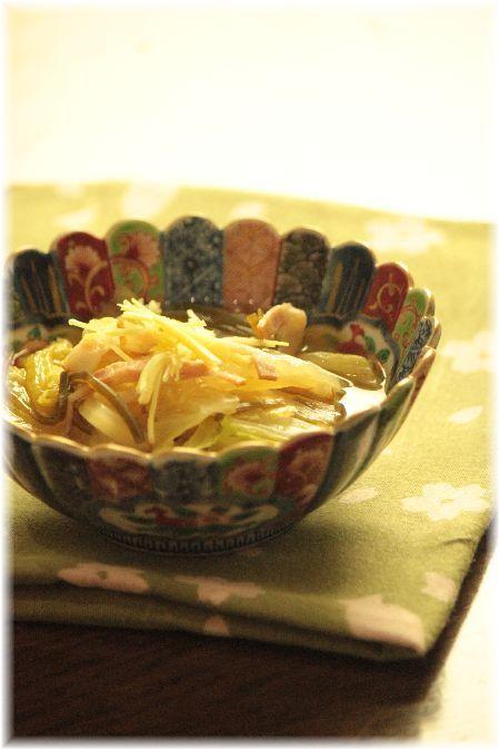 白菜の塩昆布生姜煮。と 献立。
