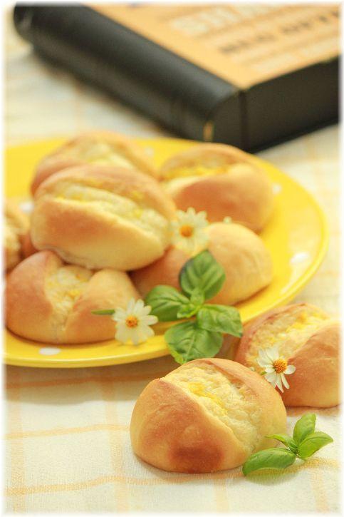 レモンバターのバンズパン。と 照り焼バーガー。