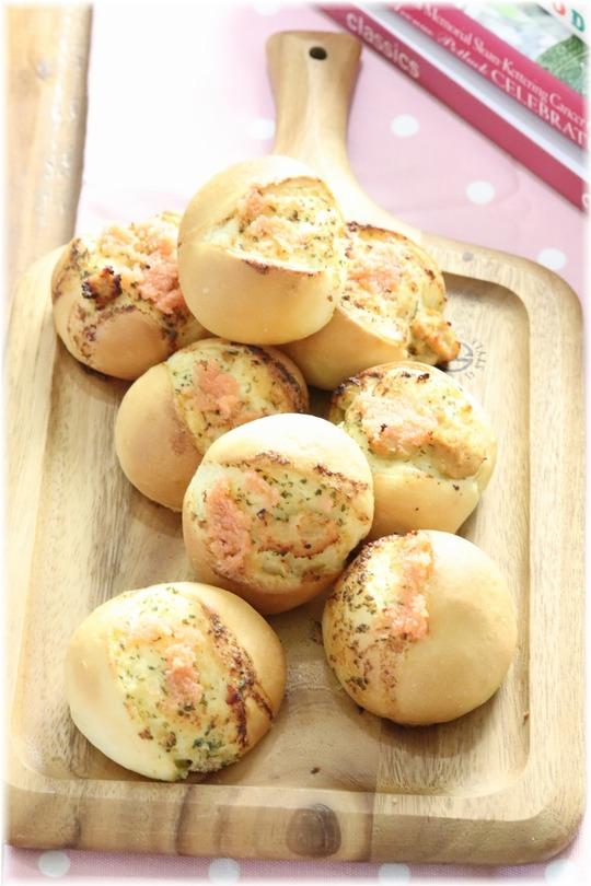 【レシピ】ふわっと かるい ガーリック明太のミニパン。 と ありがとうの海。