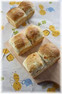 はちみつとゴマのミニ食パン。