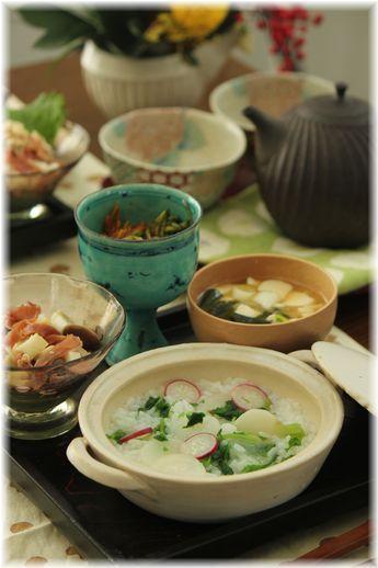 大和芋と きのこ の 生姜醤油和え。 と七草粥の献立。