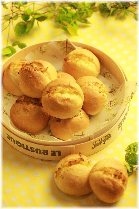 オリーブオイルレモンパン。とサンドイッチ。