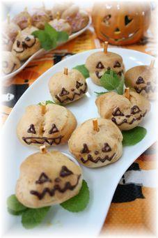 かぼちゃのミニシュークリーム。