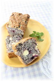 卵なし・ブルーベリーパウンドケーキ。