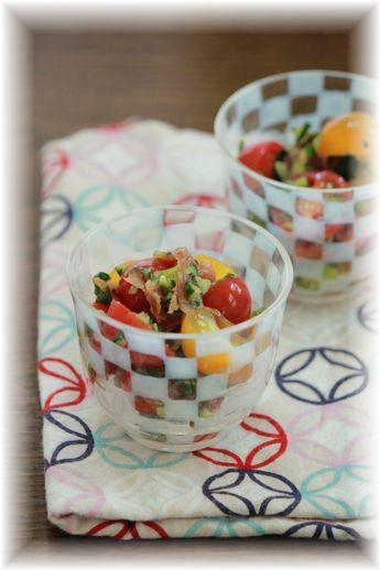 トマトの梅きゅうり和え。 と朝ごはん。