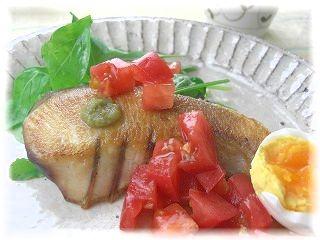 お魚の柚子胡椒ソテー・トマトソース。 と献立。