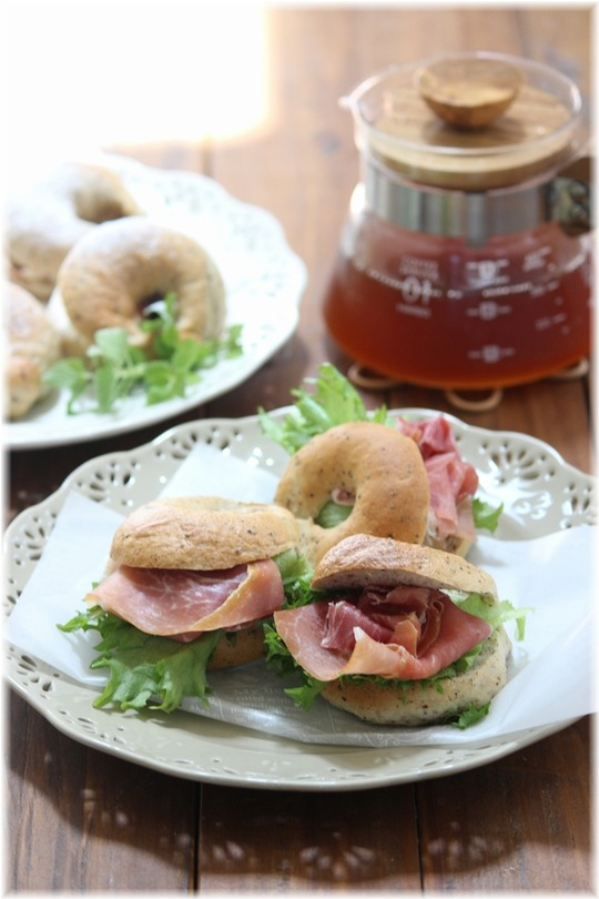 【レシピ】ナツメグベーグルの サンドイッチ。 と ユウのいない休日。