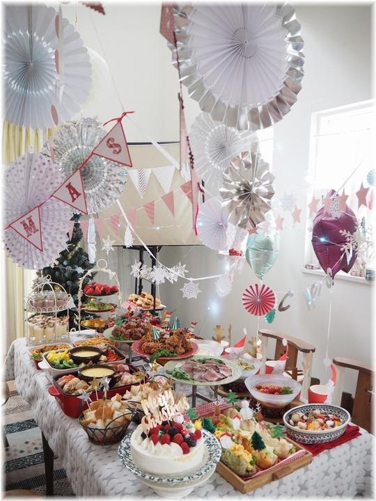 【レシピ・リンク】2019クリスマス♪vol.2。の献立と サンタクロースと風船。