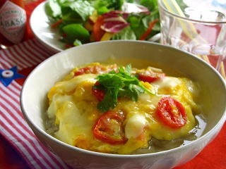トマトとチーズのとろとろスープかけご飯♪