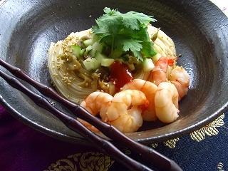 胡瓜とザーサイの汁無し温麺。