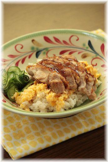 鶏の照り焼親子ちらし。 と お昼ごはん。