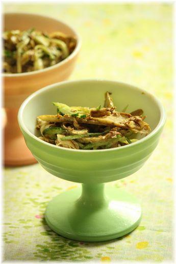 牛蒡の味噌マヨおかか サラダ。